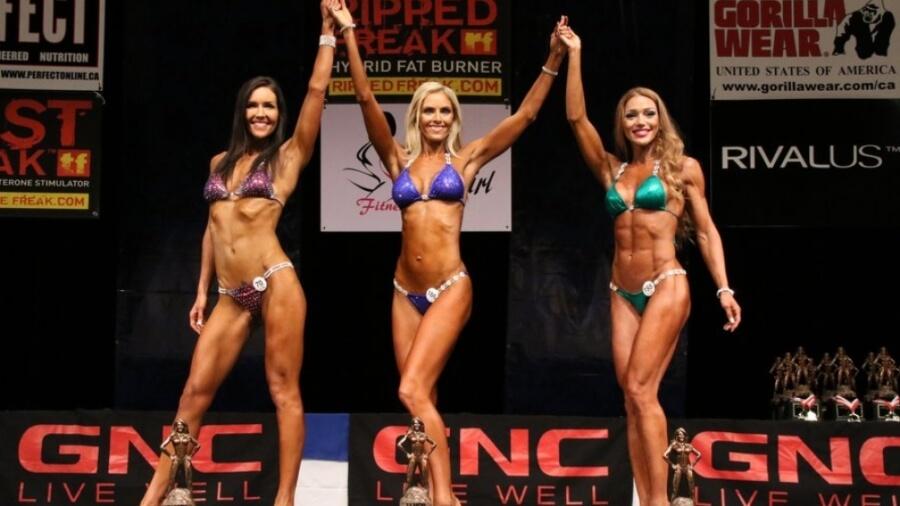 fitness-bikini-women-stage_1024x1024-500x383@2x