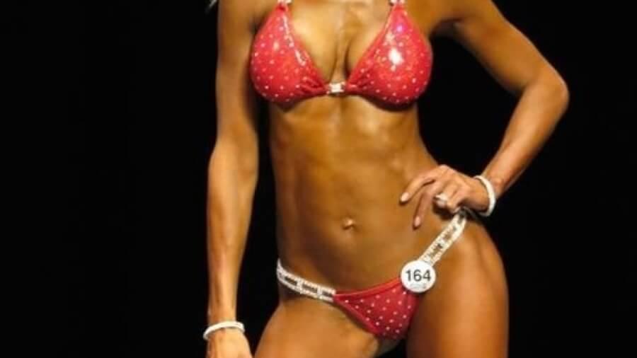 fitness-woman-red-bikini_1024x1024-500x383@2x