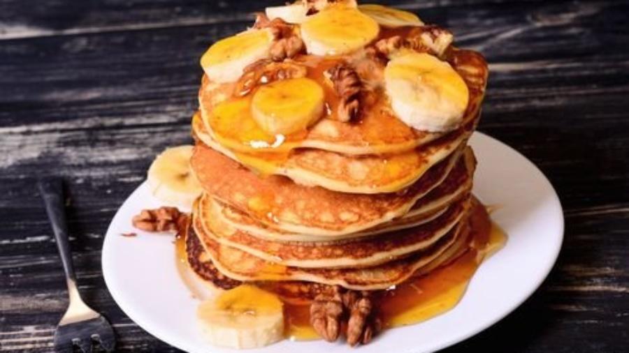 pancakes-bananas-syrup_2048x2048