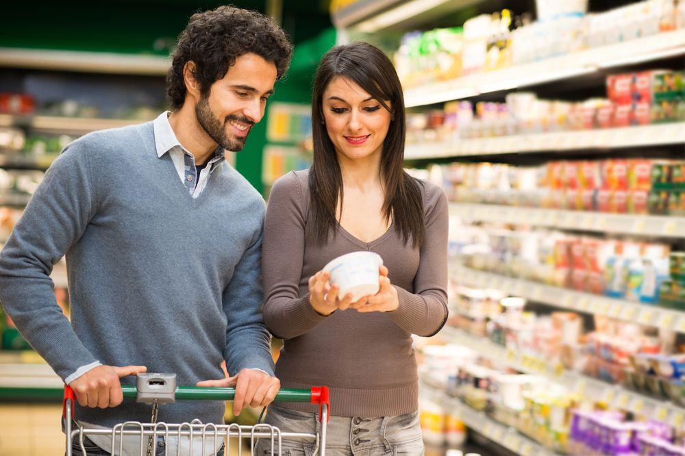 couple-choosing-food-people-never-change