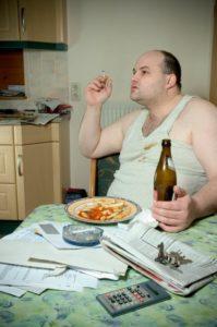 fat-man-smoking-eating